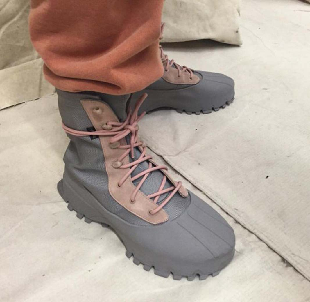 Adidas Yeezy and Kanye West - Wrapped Dreams da2864cf0d83